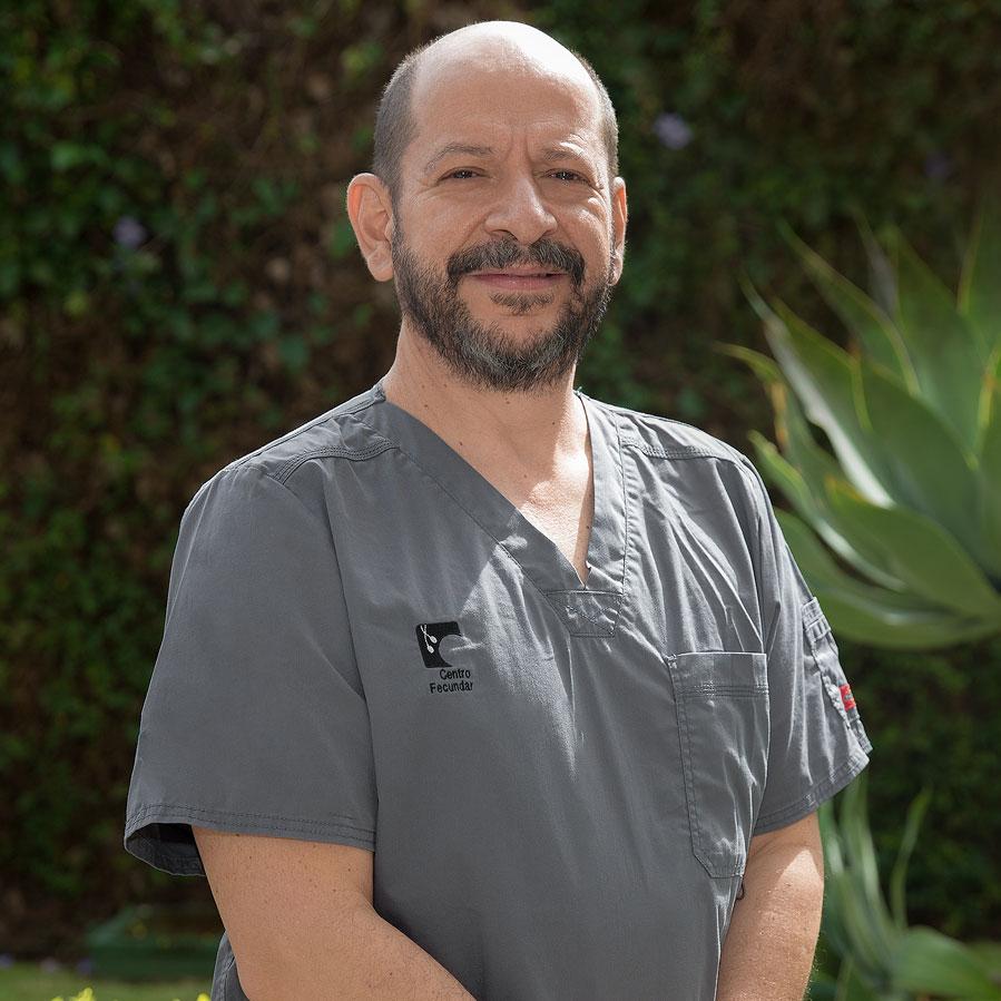 Dr. Claudio Regueyra Edelman